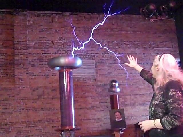 Alma and the Tesla coil pgoto