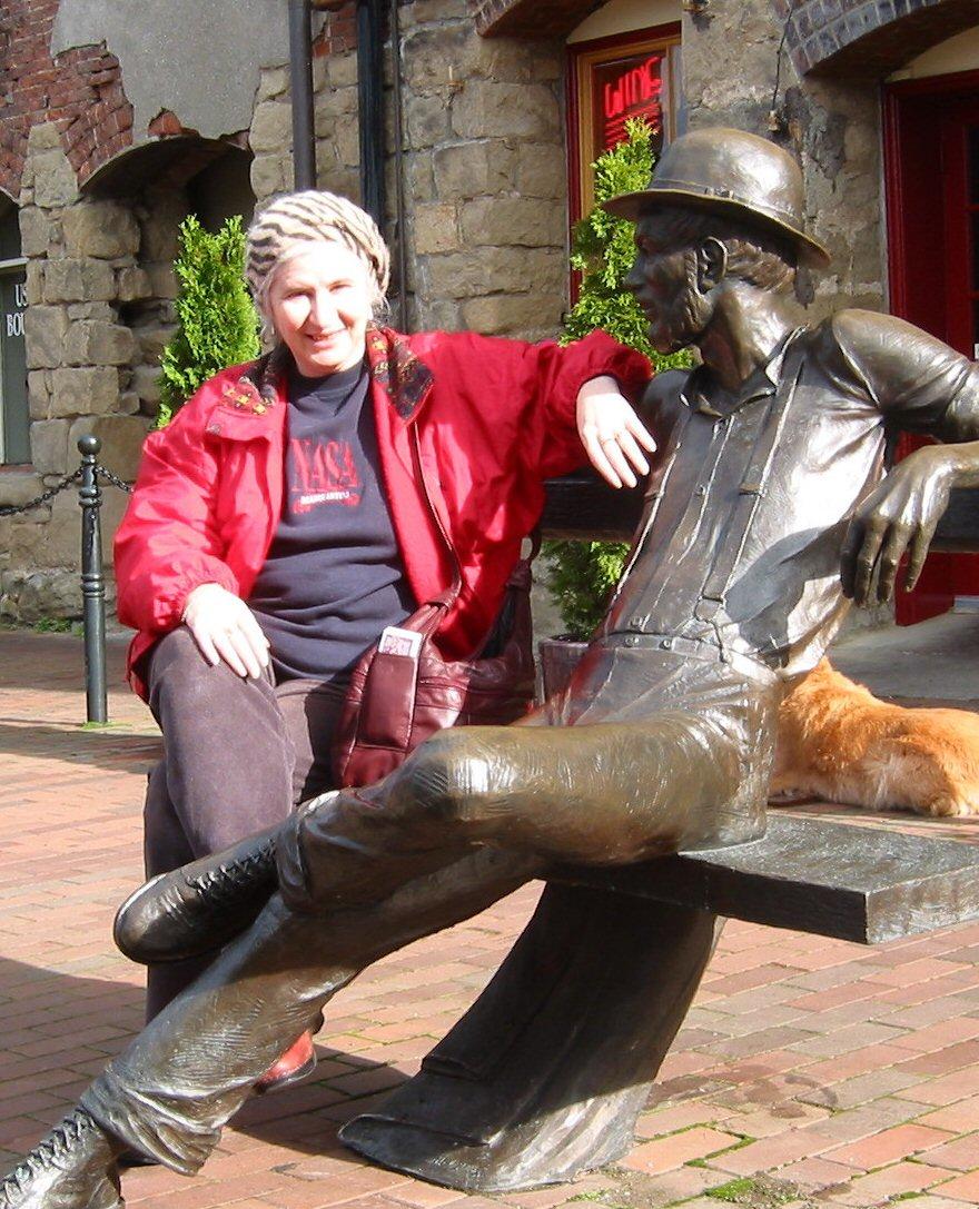 Alma Alexander and friend