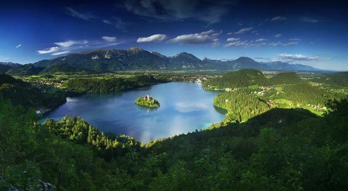 Blejsko Lake Alps