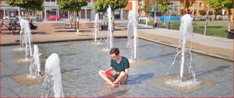 Reading everywhere photo